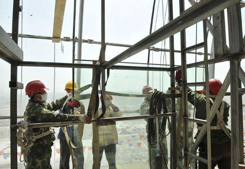 玻璃幕墙专业安装施工方案