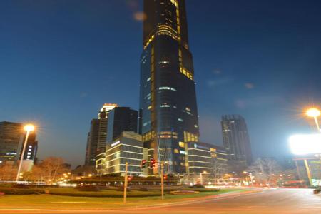 南京紫峰大厦玻璃幕墙设计效果图案例