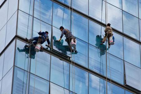 玻璃幕墙玻璃自爆原因及预防措施