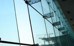玻璃幕墙施工技术要求及问题