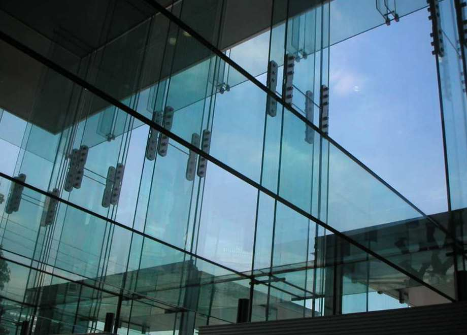 你知道框架玻璃幕墙施工方案吗