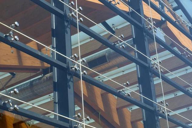 幕墙支撑钢结构的设计