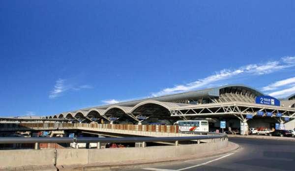 首都机场T2航站楼明框玻璃幕墙设计案例