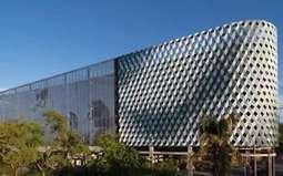 金属幕墙中铝塑复合板折边处受力分析