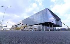 上海世博中心隐框玻璃幕墙设计案例