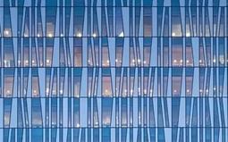 """5亿平方米玻璃幕墙成为""""高空杀手"""""""