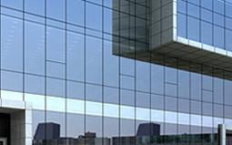 隐框玻璃幕墙在使用密封胶和组件安装时的注意要点
