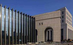 探讨石材幕墙干挂体系设计的要点与示例论述的问题