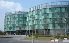 浦江智谷新建厂房及辅助用房管理中心单元式幕墙施工案例