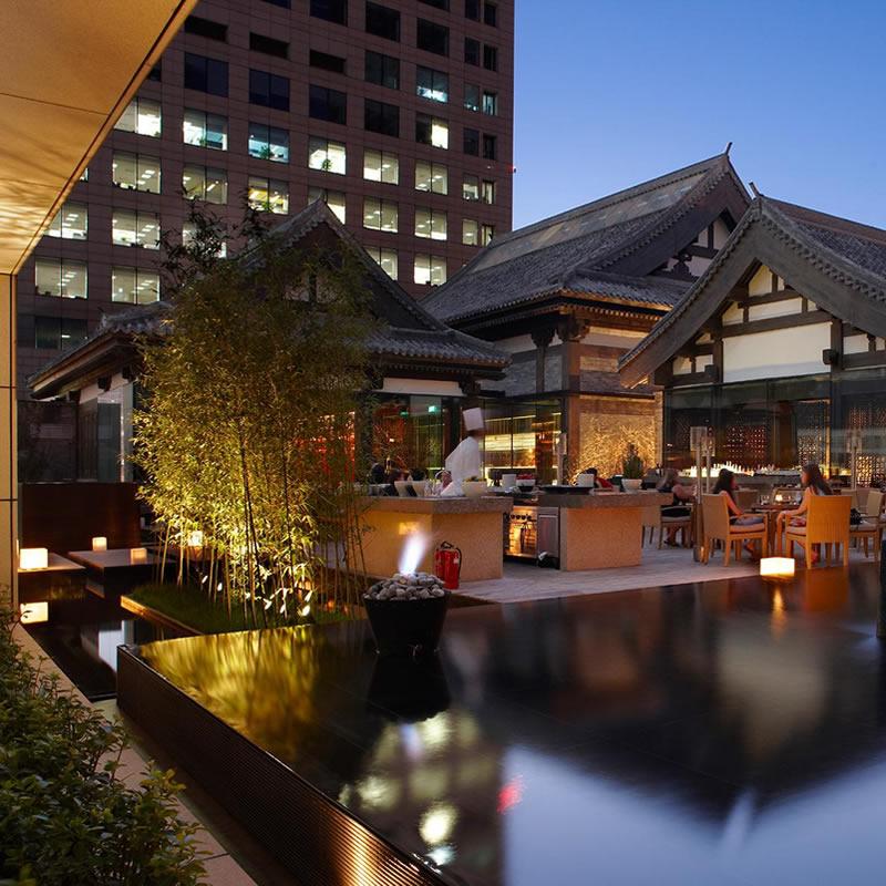 北京银泰中心南裙房屋顶花园玻璃幕墙设计案例