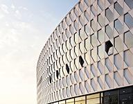 金属幕墙作为建筑幕墙设计装饰的六大优势