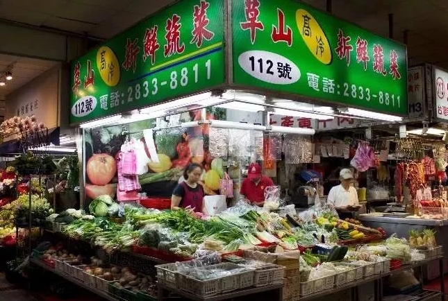 """中国街道惨遭""""统一整容""""!各类店铺傻傻分不清,网友:还我当年的烟火气!(二)"""