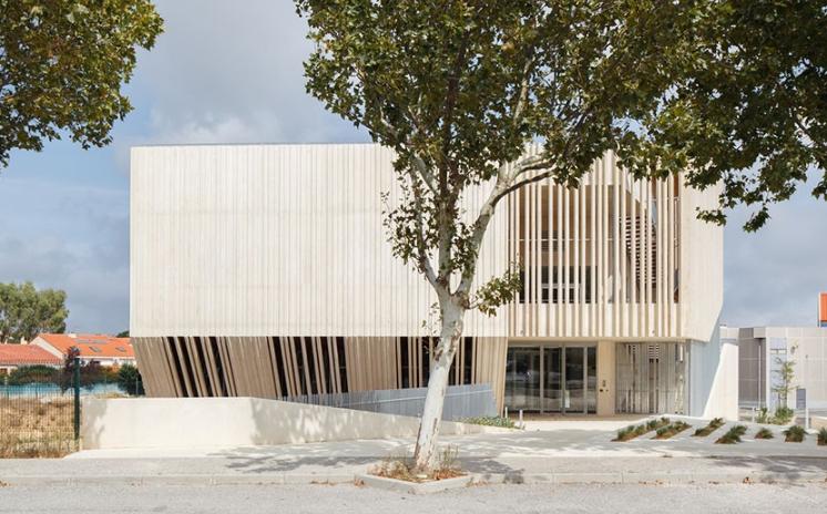 高级质感混凝土的艺术空间――法国Space Guy Môquet文化中心