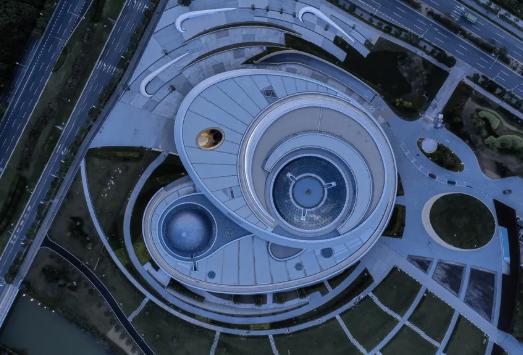 全球最大天文馆揭开神秘面纱,倒穹顶设计引人注目!