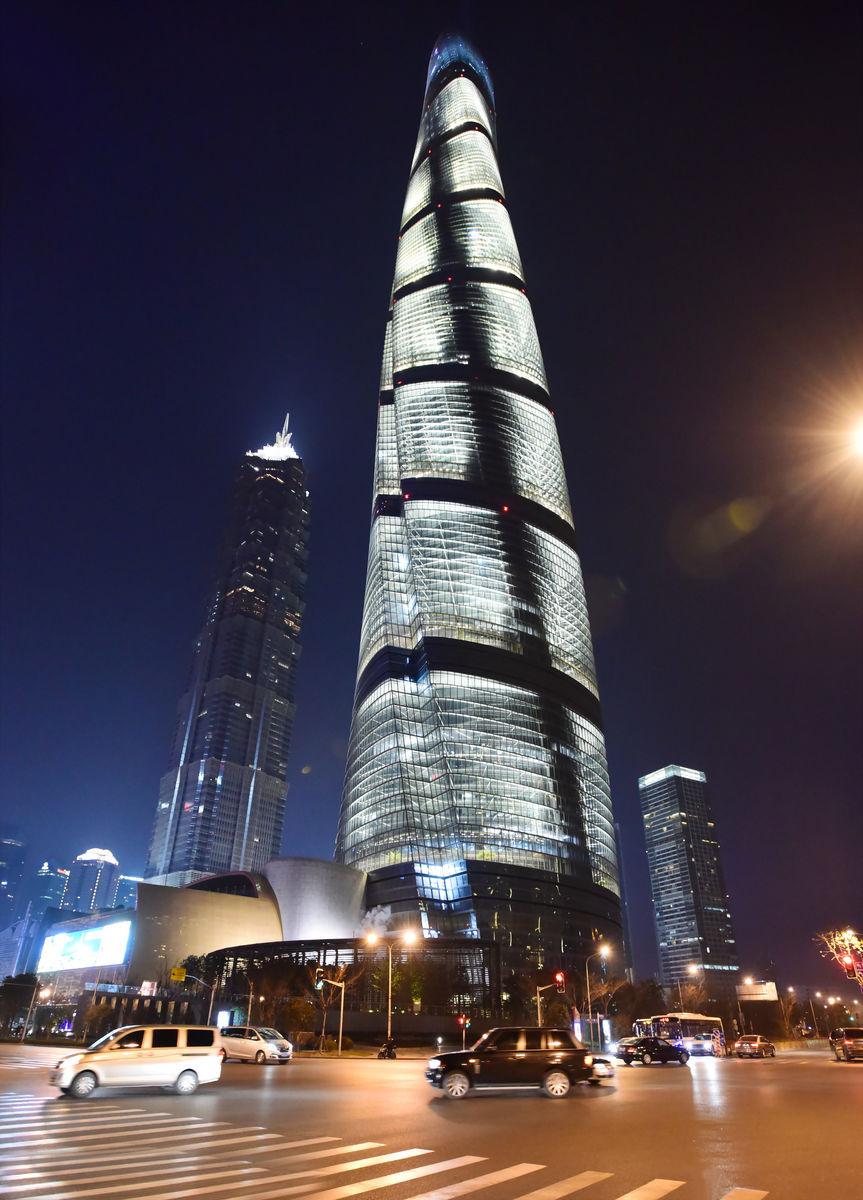 上海中心异形玻璃幕墙设计效果图