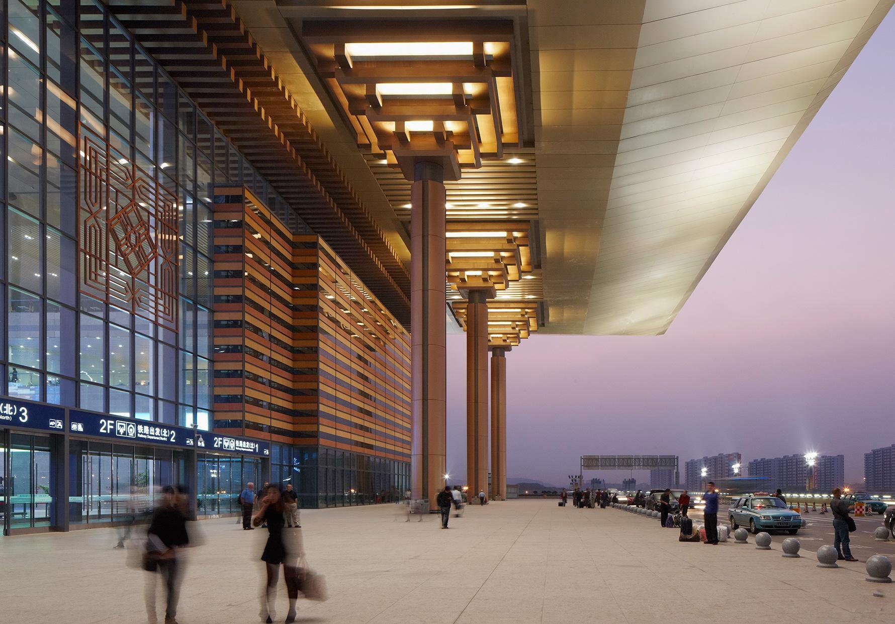 南京南站_中开智慧艺型建筑幕墙设计施工公司